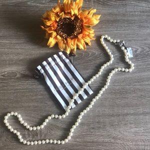 NWT Henri Bendel white pearls